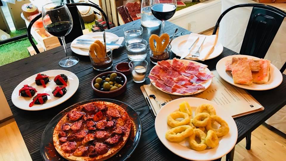 10 Food Rules to Follow in Spain, Plus How to Order Tapas